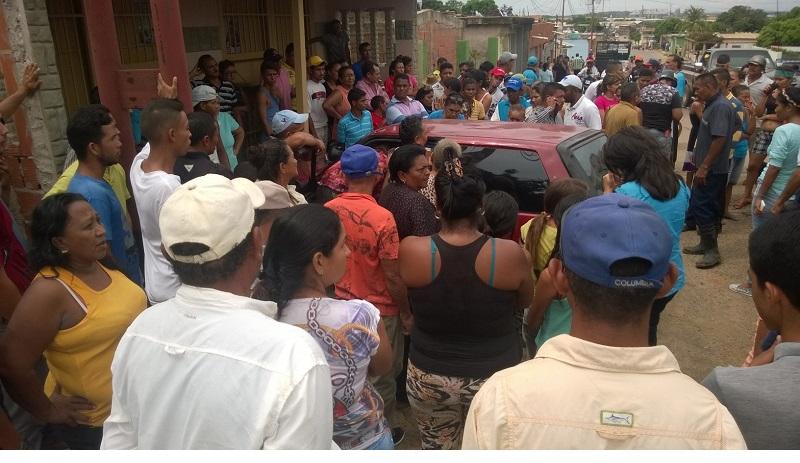 Matan a un hombre cuando salía de su casa en el sector Carlos Pérez