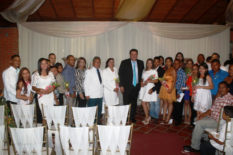 Pedro Loreto celebró I Jornada de Matrimonios Colectivos