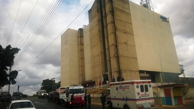 Reportan incendio en la sede de CANTV de Valle de la Pascua