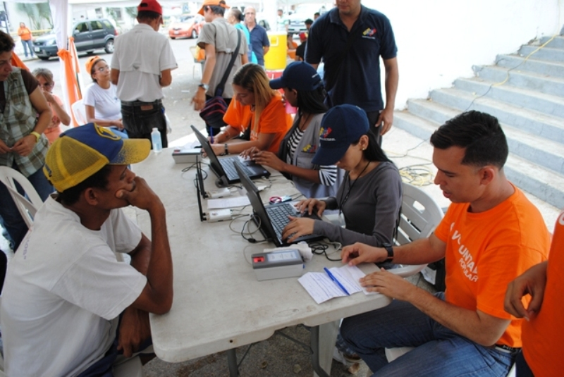 Leopoldo López recogió firmas en Guárico como sorgo en Chaguaramas