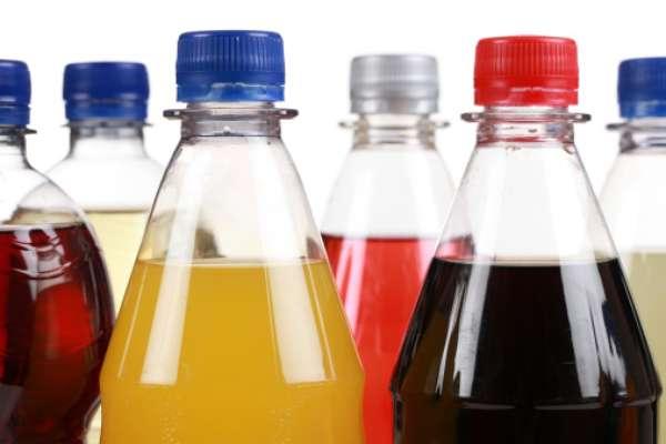 El precio actual del refresco de 2 litros es 4.500 Bs.