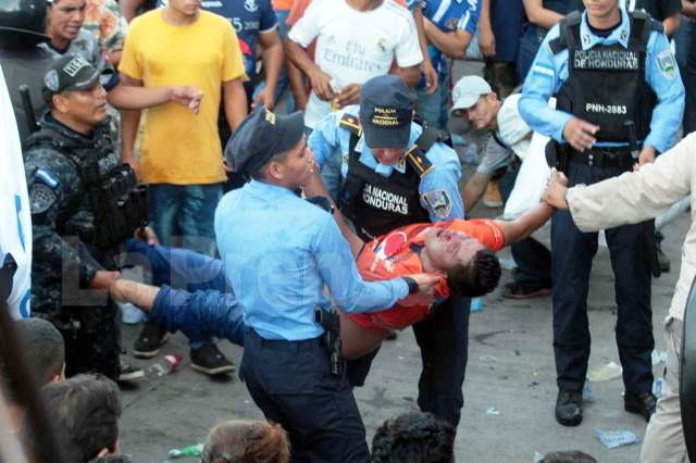 Cinco muertos por avalancha en final de fútbol en Honduras
