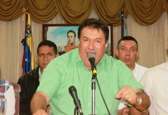 El país continúa convulsionado en una crisis política, social, económica y el régimen se aferra en entornillarse en el poder