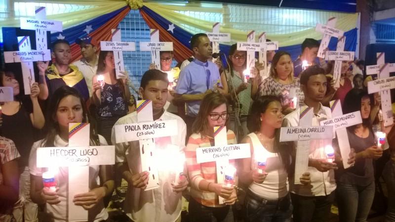 Vallepascuenses realizaron vigilia Dios con Venezuela