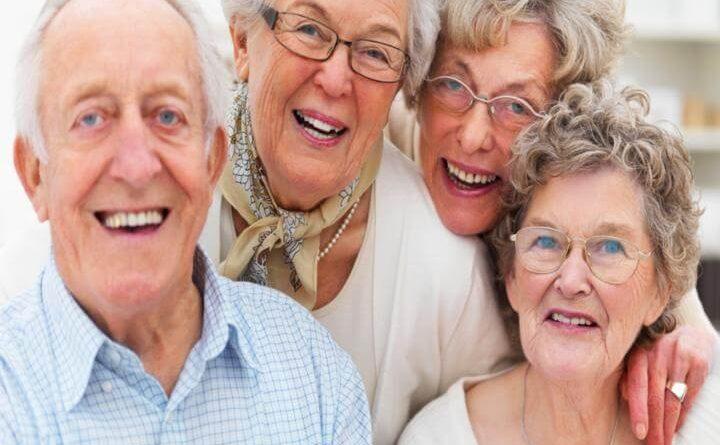 Características de adultos mayores que viven 100 años