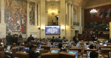 El parlamento cesionó y decidio negar las objeciones