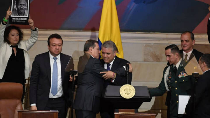 Ernesto Macías volvió con sus artimañas en contra de la oposición