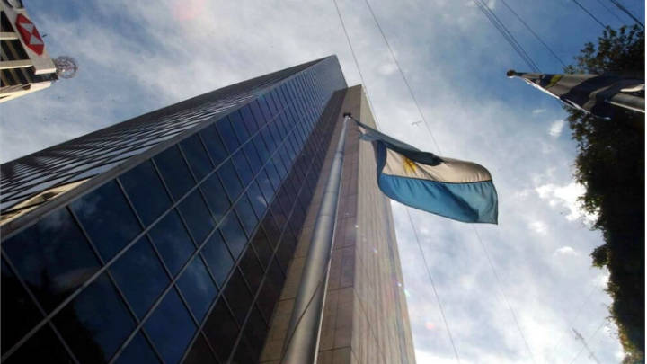 Mejores aires para Argentina a final se semana