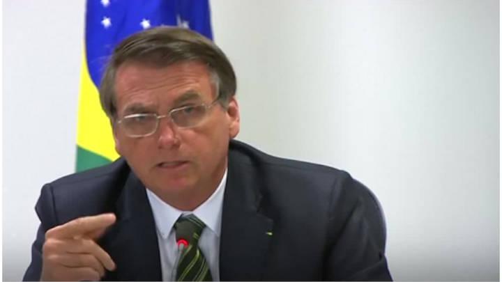 """Brasil aceptará ayuda internacional""""El problema es Macron no el G7"""" dice Bolsonaro."""