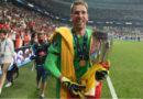 Adrián San Miguel ganador de la Supercopa Europa con Liverpool