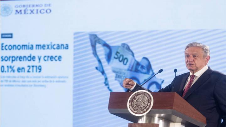 López Obrador en la Conferencia de prensa, indica que vamos bien en asuntos de economía