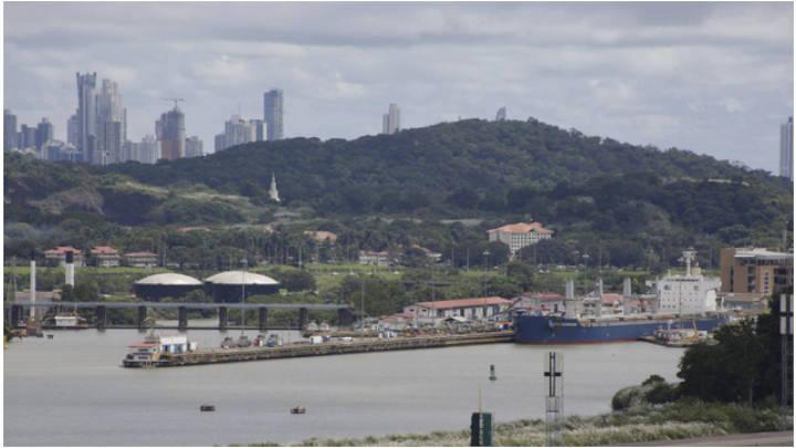 Vista del puerto de Panamá.