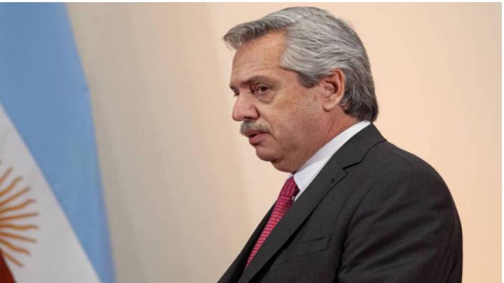 Fernández se defiende de los argumentos de Macri