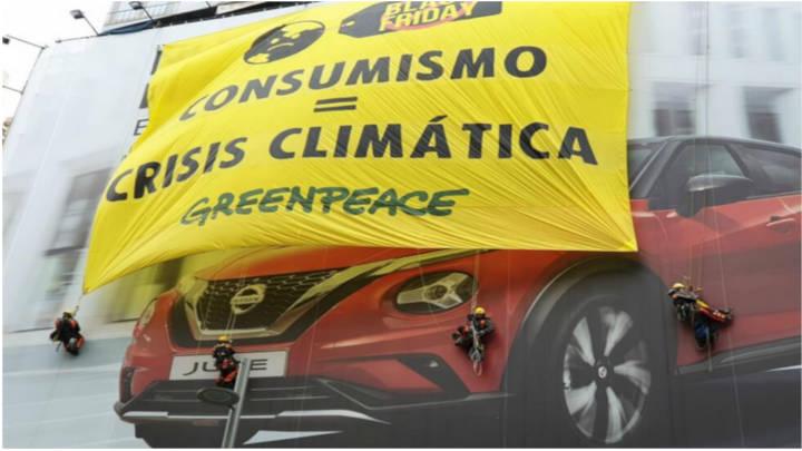 Pancarta desplegada por Greenpeace en Madrid