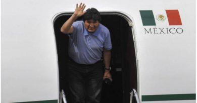 Llegada de Morales al suelo mexicano.