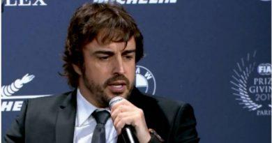 Alonso fue directo a la Ferrari con su comentario en la rueda de prensa