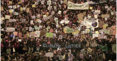 Miles de personas reunidas contra el efecto de la actividad humana en el ambiente