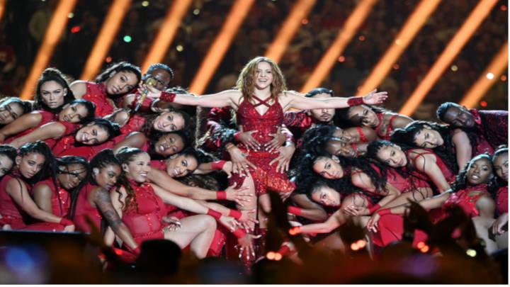 Shakira mas versátil y jovial que nunca