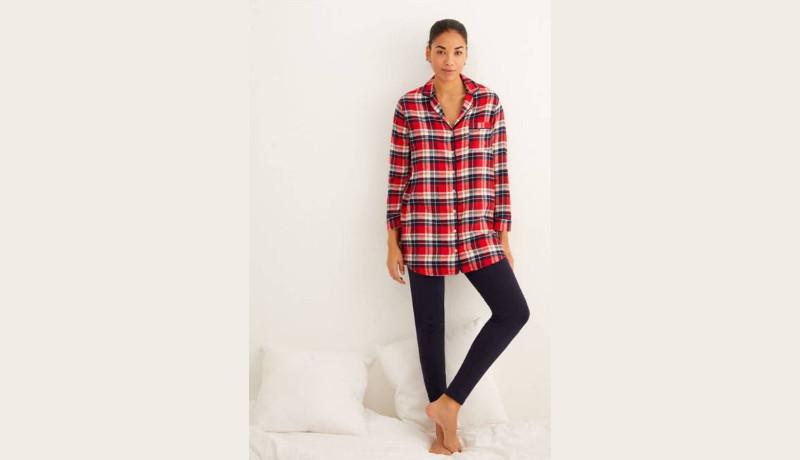 Pijama estilo camisero